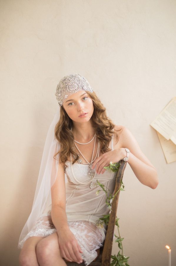 Sparkly juliet cap veil | Gatsby inspired bling veil. #julietcap #bling #weddingveil #bridal #veil