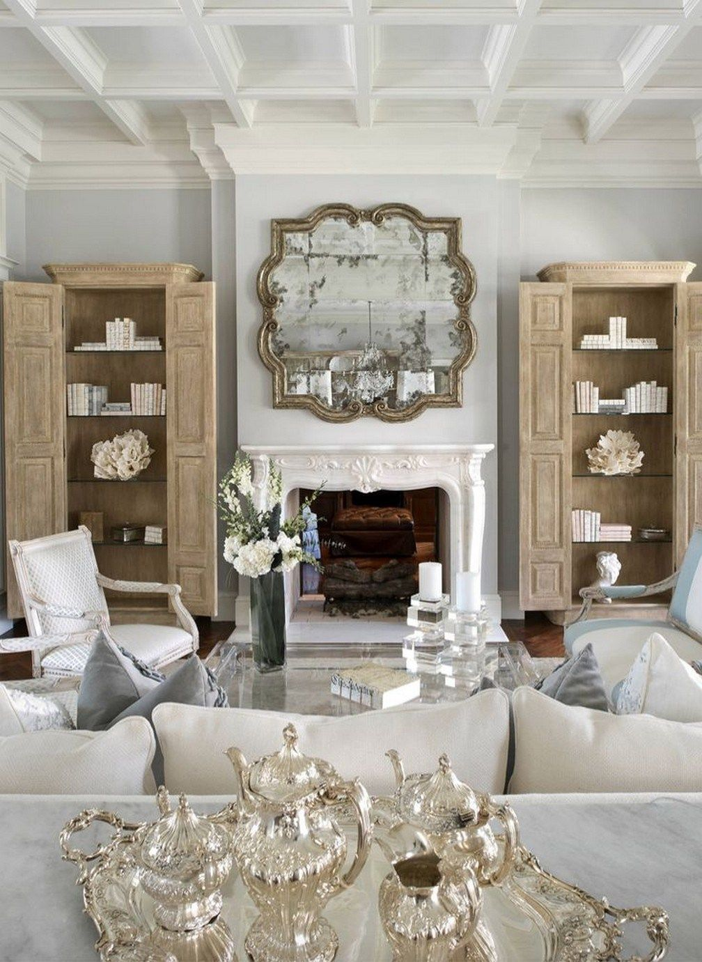 29 Fabulous French Home Decor Ideas To Apply Asap 27 Moeshouse Country Living Room Design French Country Living Room French Living Rooms