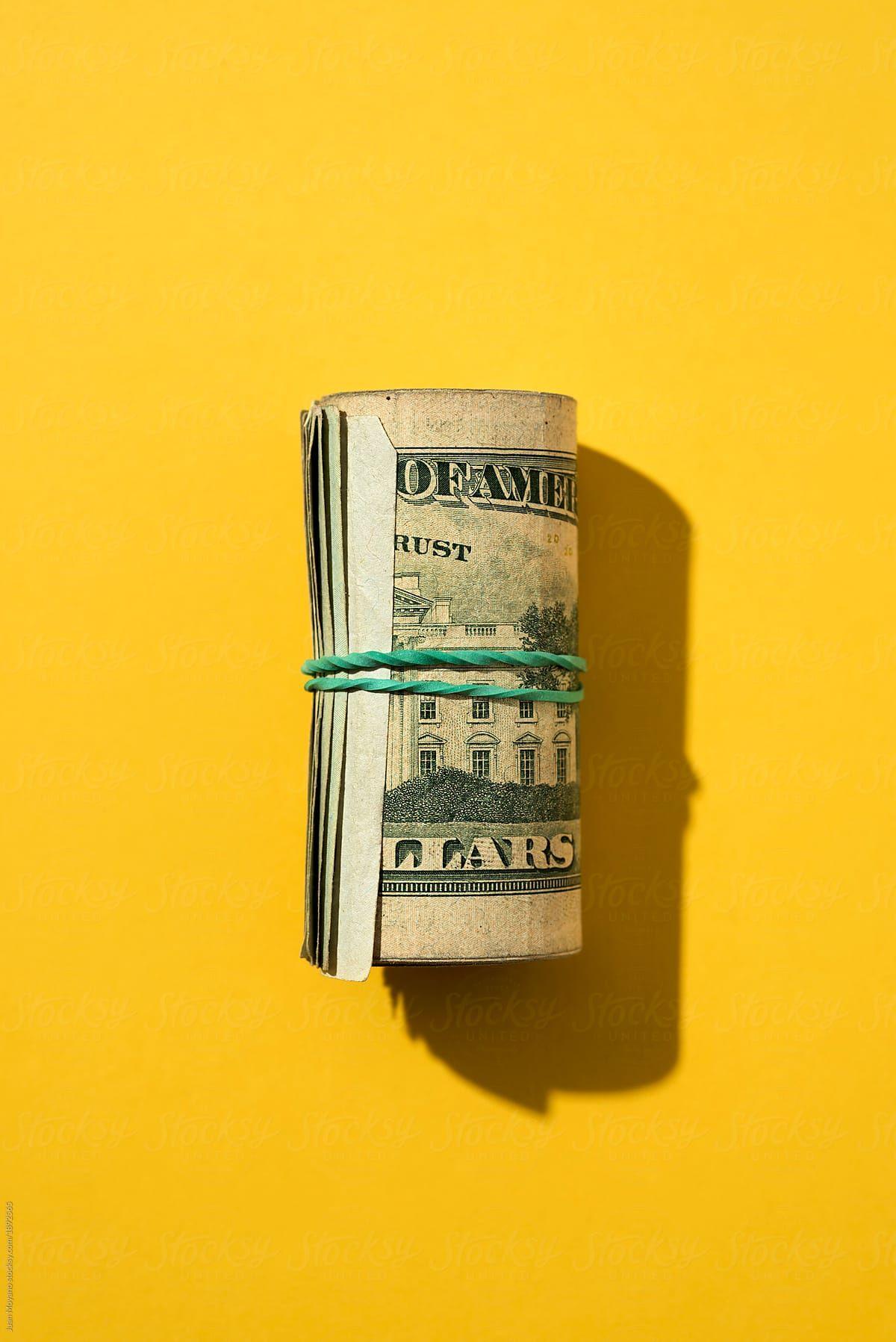 Download Wallpaper 640x1136 dollars, money, notes, case