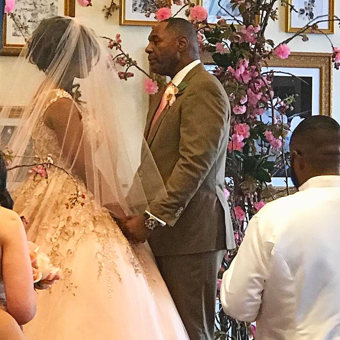 Omarosa Wedding Dress.Omarosa Manigault Marries John Allen Newman At Trump Hotel
