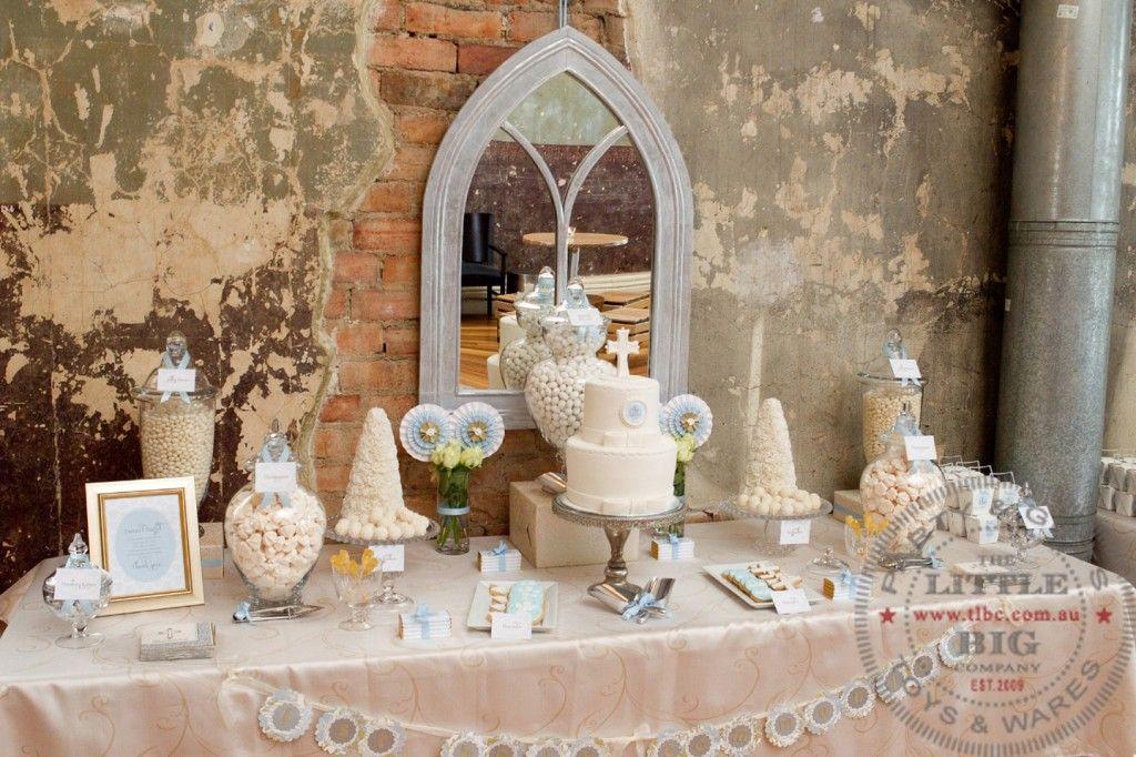 Pretty dessert table for communion communion party ideas - Decoration table communion fille ...