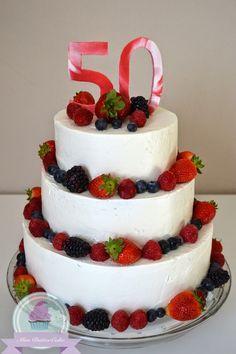 Miss Buttercake 3 Stockige Torte Mit Beeren Deko Geschenk Cake