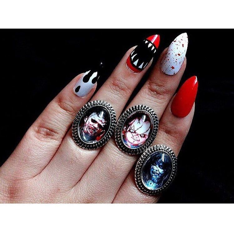 Creepy cool nail art inspiration nailart manicure mani creepy cool nail art inspiration nailart manicure mani stiletto claws prinsesfo Image collections