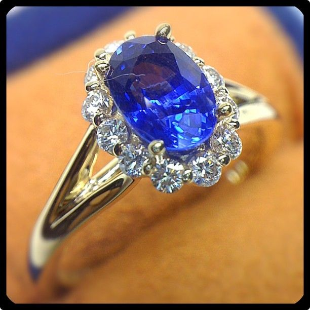 Glitz Glam Blue Diamontrigue Jewelry: How About A Gorgeous Blue Sapphire Set In A Yellow Gold