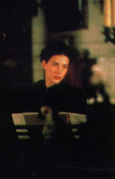 Liv Tyler - Onegin (1999) (387×600)