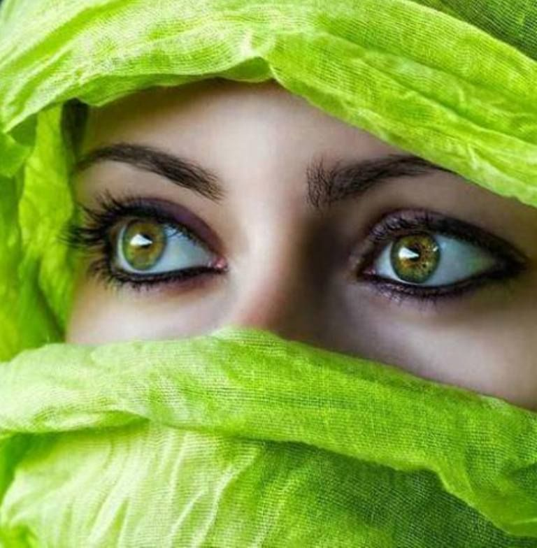 beautiful Niqab Pictures islamic www.colorfuleyes.org/contact-lenses/eye-colors/ #eyes