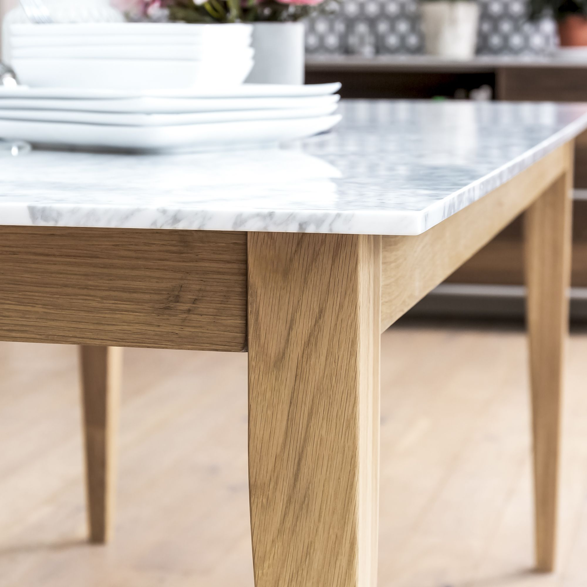 1 8m Oak Dining Table With White Carrara Marble Top Grosvenor Furniture Dining Table Marble Oak Dining Table Dining Table