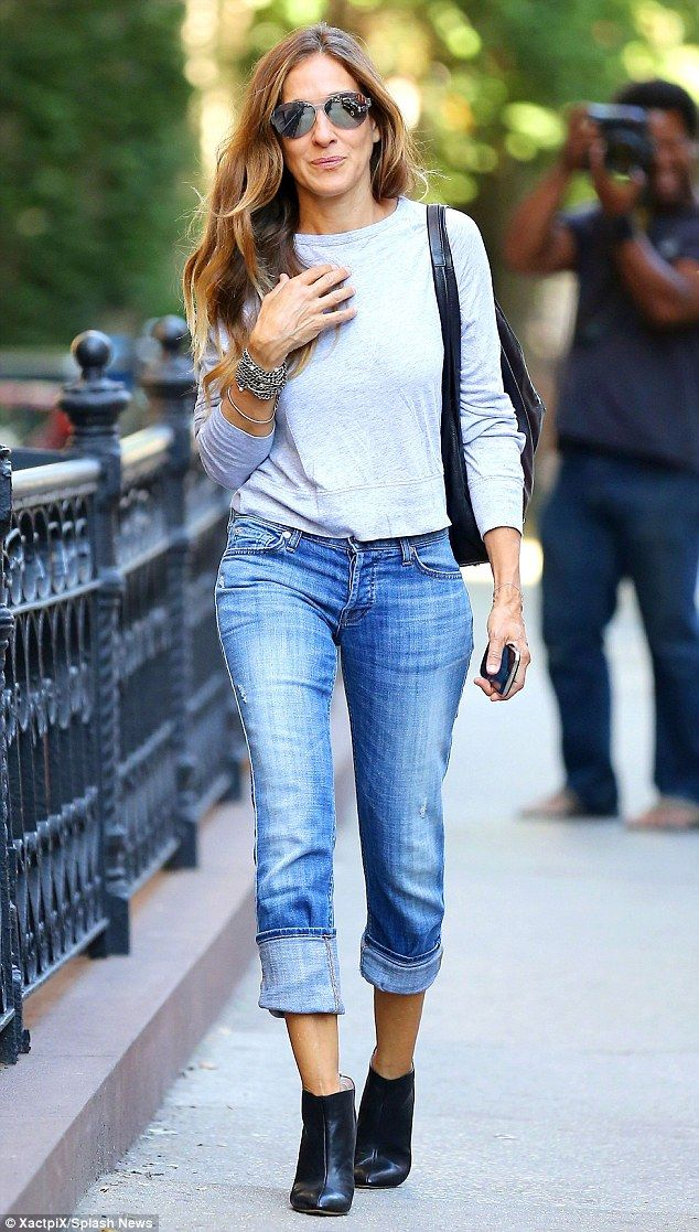 951427f8c Sarah Jessica Parker, 50, still fits in jeans she wore at 18 | Like | Sarah  jessica parker, Sarah jessica parker 2017, Carrie bradshaw