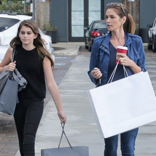 http://www.eonline.com/news/606305/cindy-crawford-and-her-look-alike-daughter-kaia-gerber-step-out-for-some-retail-therapy