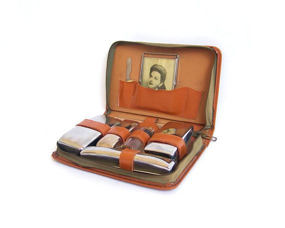 Lovely RESERVED - Vintage Travel Kit Men's Toiletry Shaving Set Gentlemen  YG07