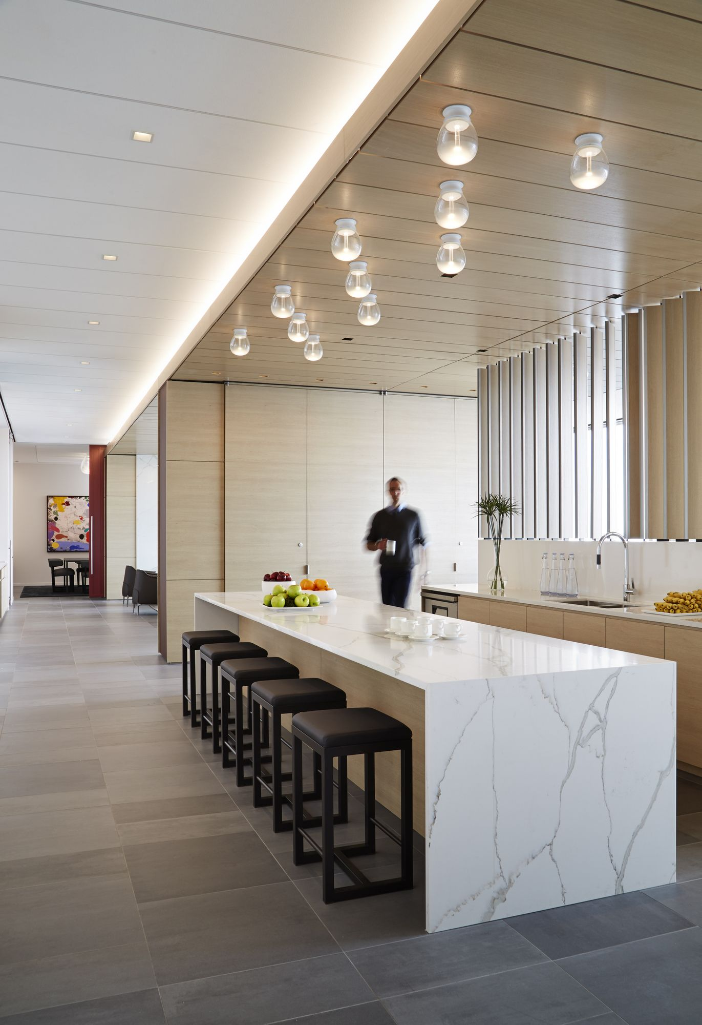 Office tour mcdermott will emery offices chicago - Interior design firms chicago ...