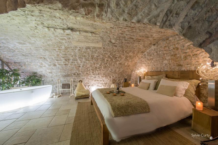 Chambres D Hotes De Charme Entre Hotes La Rochelle Charente Maritime Poitou Charentes France Chambre Hote Charme Interieur Maison Maisons Rustiques