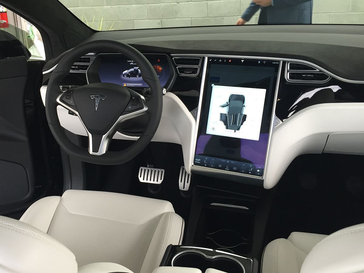 2016 tesla model x in pictures camioneta lujos y tecnologia. Black Bedroom Furniture Sets. Home Design Ideas