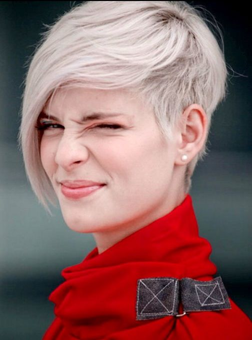 Blond short and sassy hairstyle for a young woman