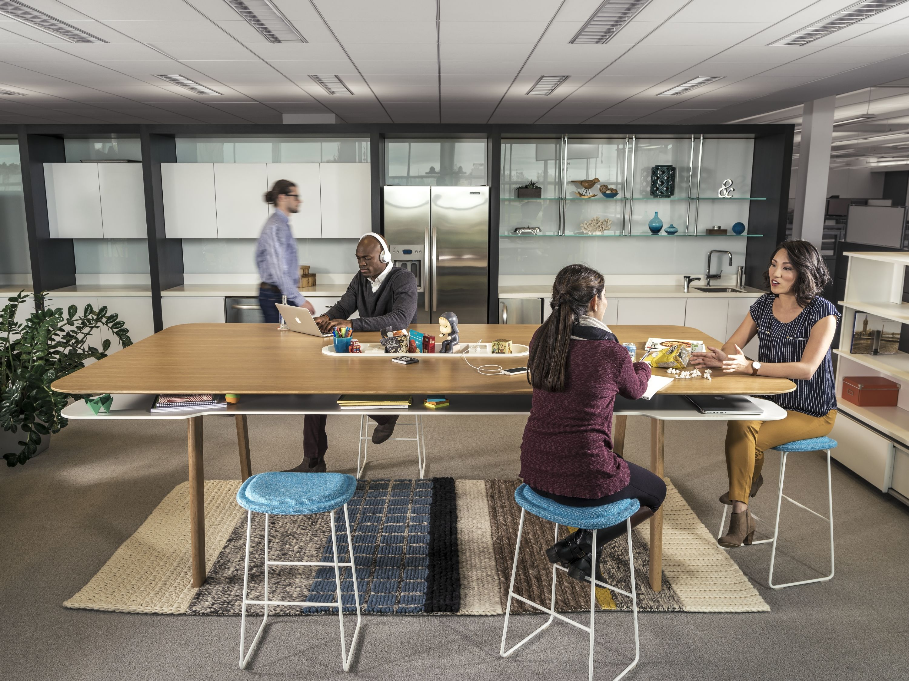 Immerse work surfaces were thoughtfully designed to help ...