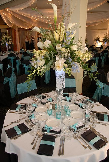 Tall Vase Centerpiece With Black And Turquoise In 2018 Aniqua And