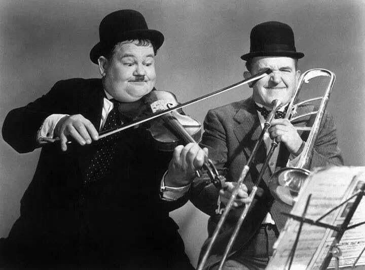 Und da heisst´s immer dass Posaunisten nur austeilen können... ;) Stan Laurel Oliver Hardy