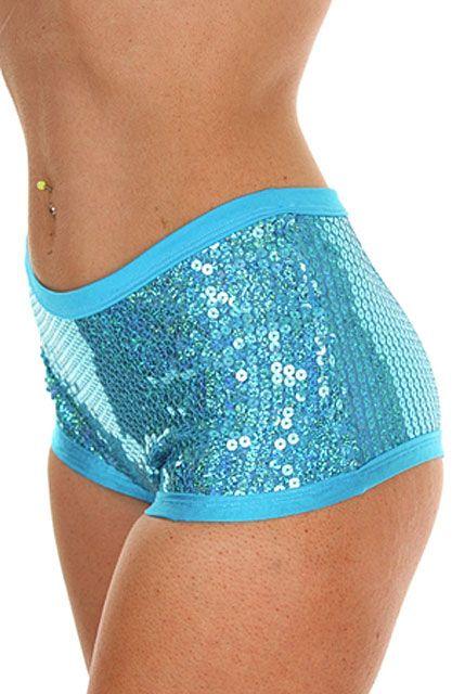 Entièrement doublée pour un meilleur confort, mini shorts
