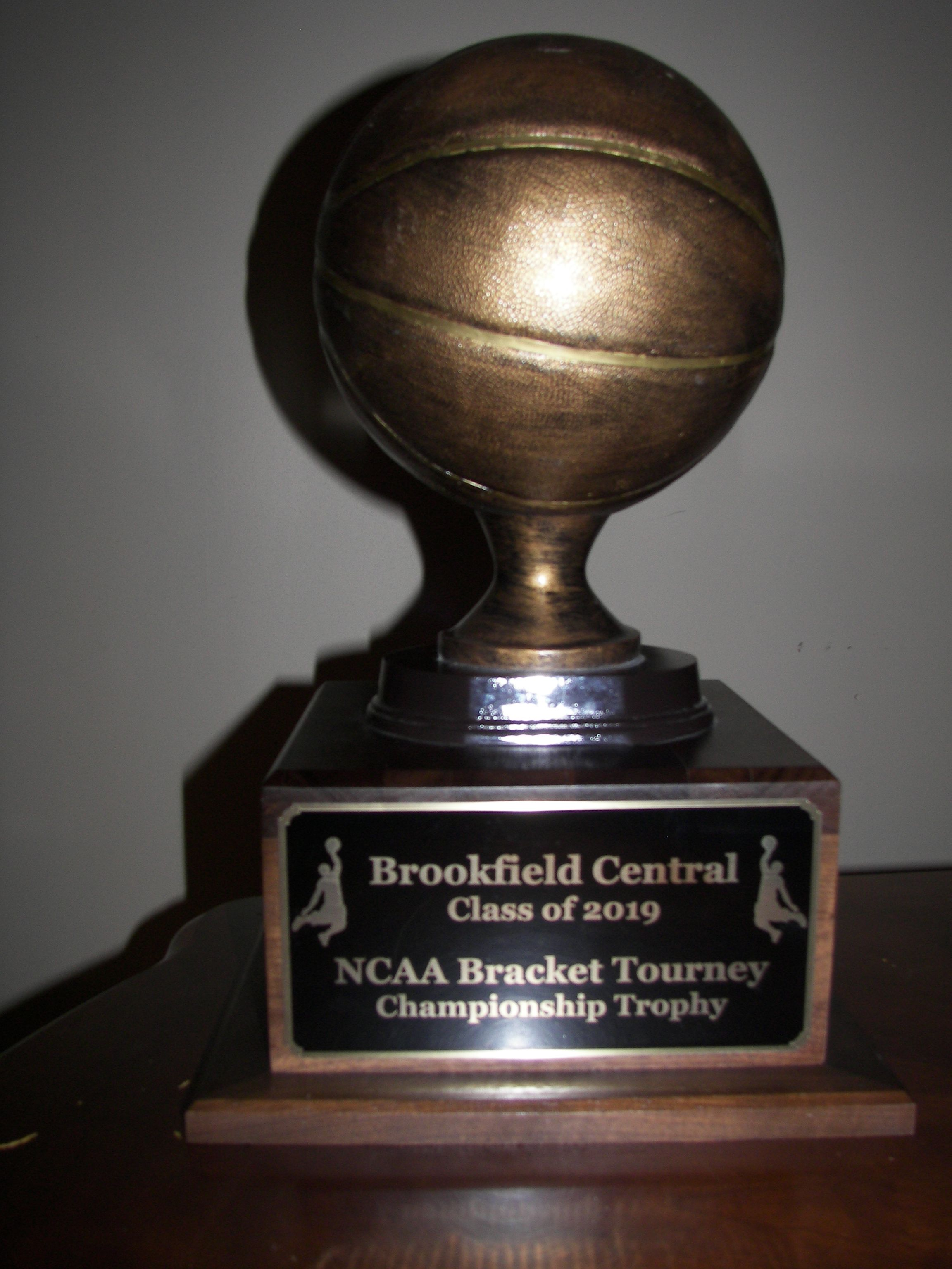 Basketball Trophy Perfect For The League Winner Or Team Mvp Www Rcbawards Com Crystal Awards Glass Awards Bronze Plaque