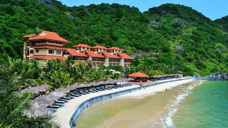 Bãi biển cát bà hải phòng  http://vuadulich.com/check-in-8-thanh-pho-bien-xinh-dep-tai-viet-nam/