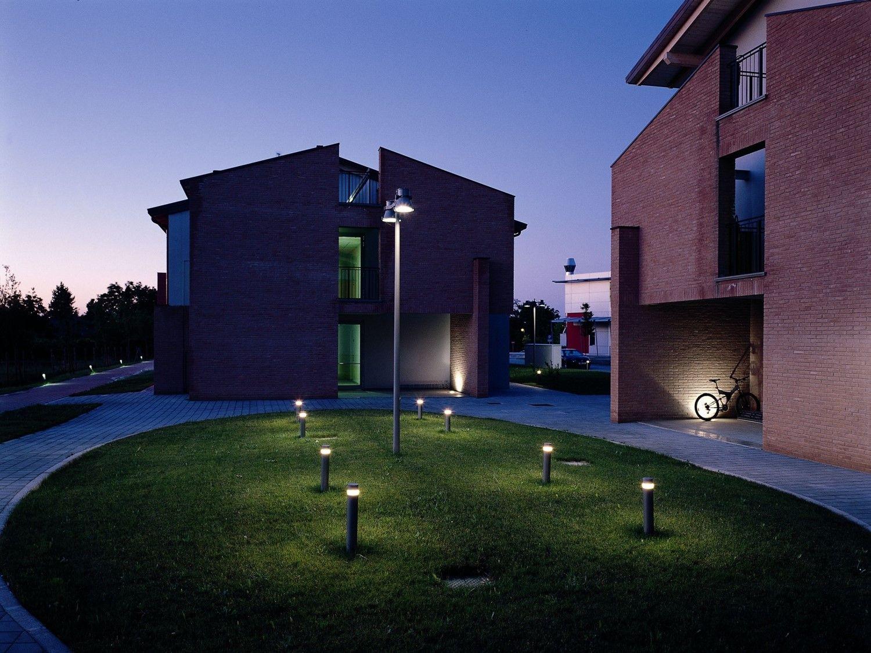 iGuzzini iWay and Woody pole mount application - LIGHT ...