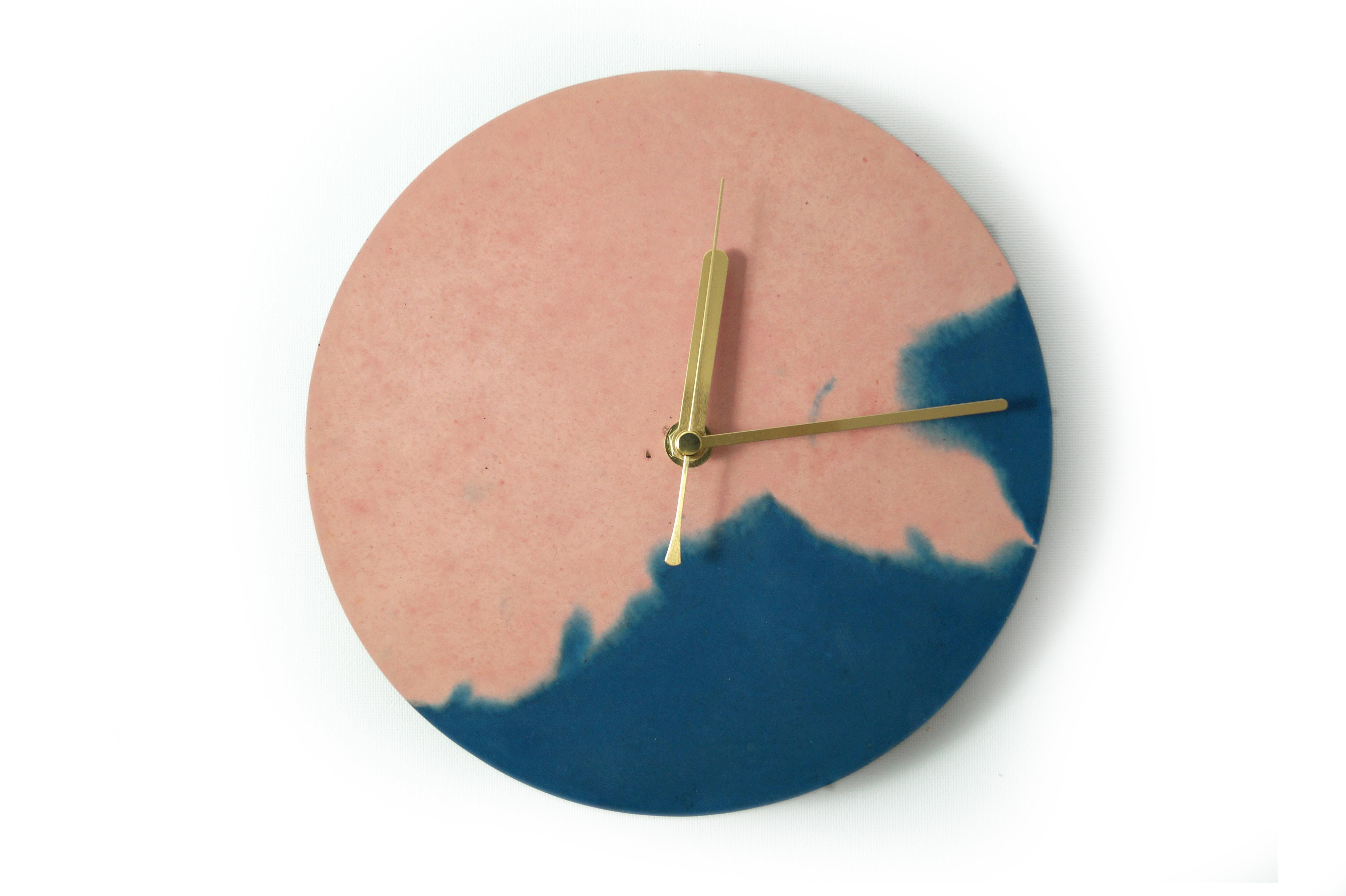 Navy Blue Nude Clock Studio Emma Pinterest Concrete  # Faire Support Aquarium Beton Cellulaire