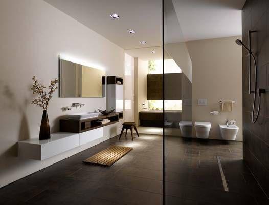 Weiße Oberflächen und dunkle Teak-Elemente bringen Spannung und - badezimmer design badgestaltung