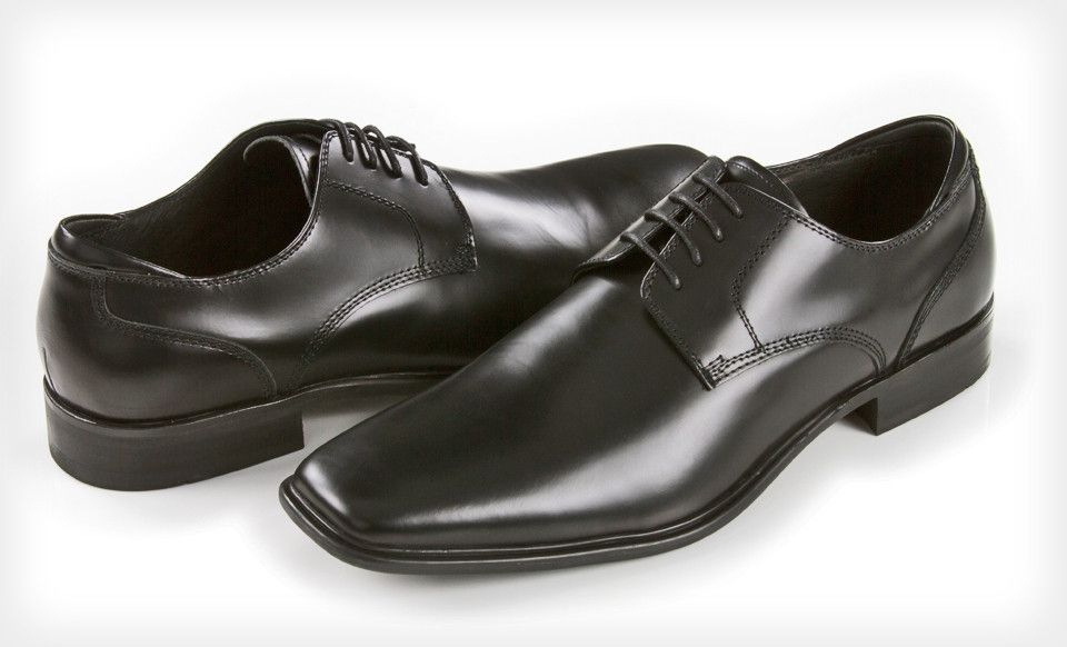 Kenneth Cole's Oxford style shoes is sleek and simple. A solid ...