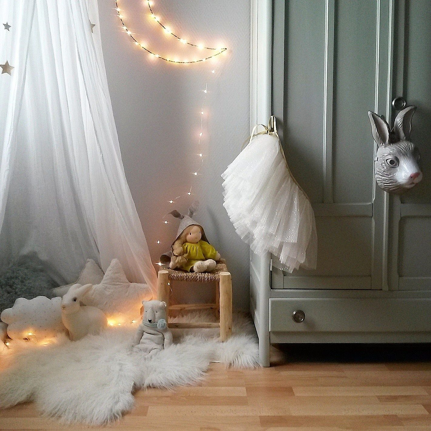 viens dans ma chambre - apolline, 2 ans | we are family | pinterest