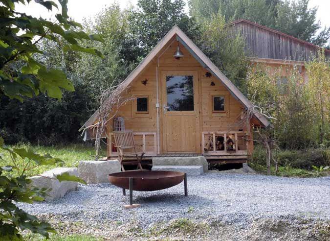 Das Hexenhaus Gartenhaus Als Schlafhutte In Niederbayern Gartenhaus Haus Style At Home