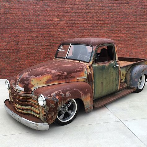 Cherokee Forsale Slammed With V8 Call Text 606 776 2886 Email Hotroddirty Yahoo Com Traditionalhotrod Classic Trucks Classic Truck 54 Chevy Truck