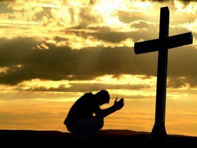 Resultado de imagem para prostrado diante da cruz