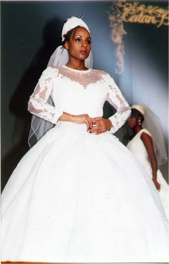 https://flic.kr/p/DUu5bS | BLACK WOMEN'S BRIDAL/FASHION EVENT, OCTOBER 2000 | CLEVELAND STATE UNIVERSITY COVOCATION CENTER