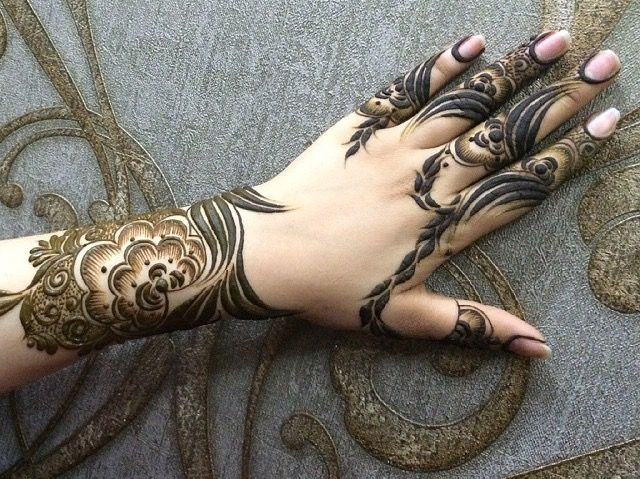 Mehndi Designs Patterns Ideas : Pin by warda on mehndi hennas and mehendi