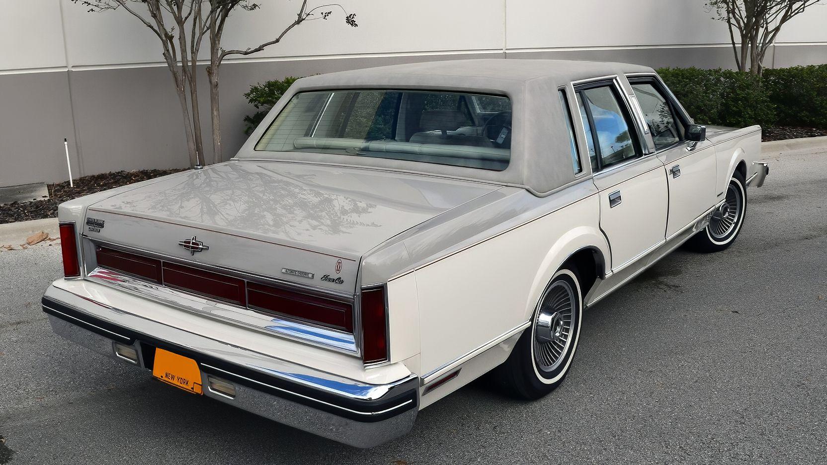 1982 Lincoln Town Car in 2020 Fabrieken