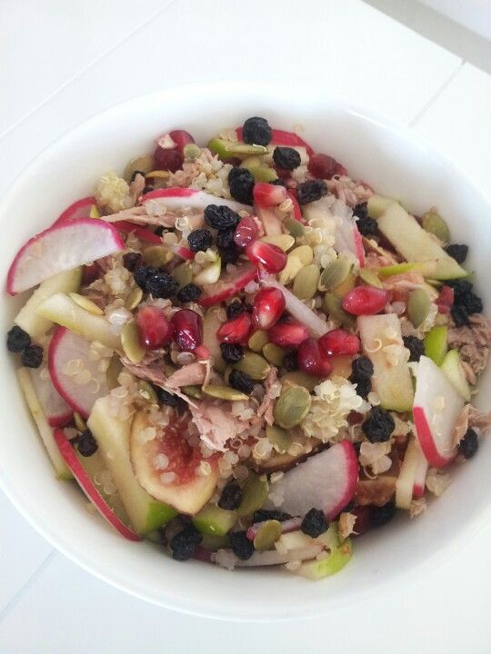 Radish, apple, currants, figs, pepitas, tuna, currants and quinoa salad