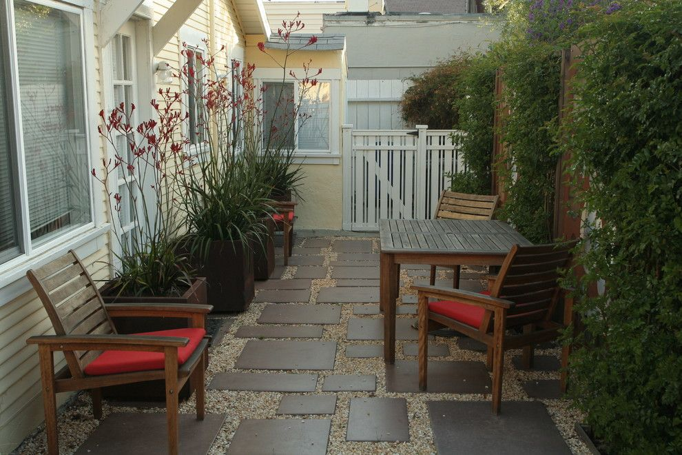 courtyard ideas front door - Google Search   Front Porch Makeover ...