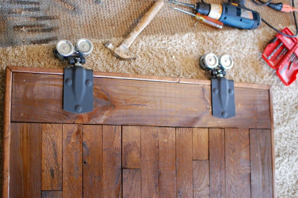 Good Barn Door Hardware DIY Style. (Best Yet And Iu0027m So Checking Out