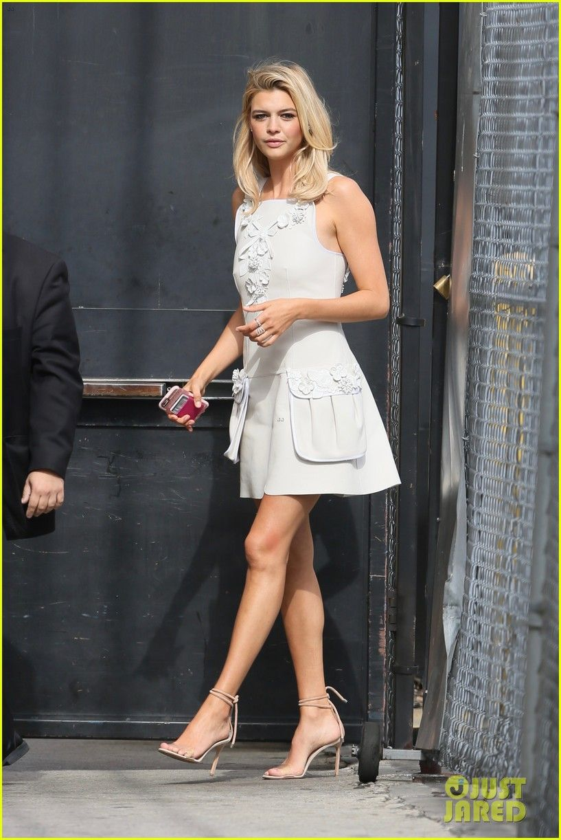 Continues For Kelly Rohrbach Her Press In 'baywatch'Posters Tour shrdxtoQCB