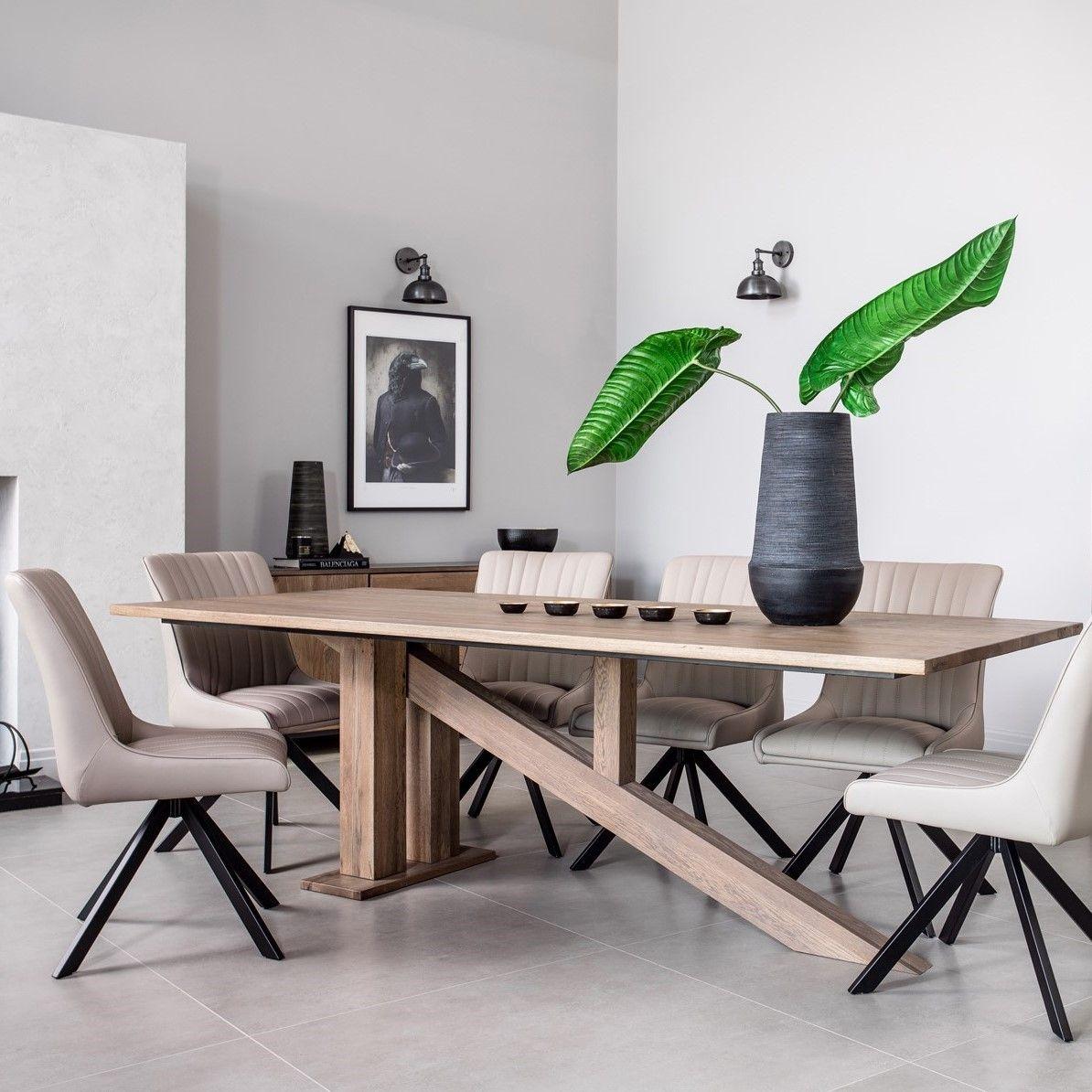 table à manger moderne piètement oblique chêne massif 240