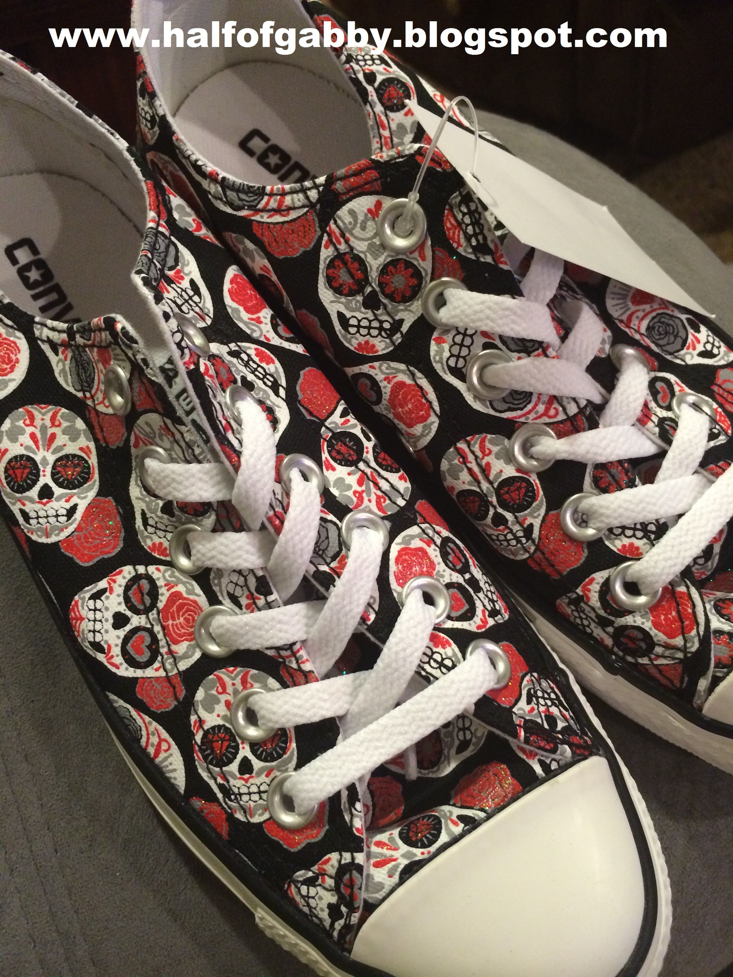 bd8629ea2c4e07 SKULL CHUCKS! My hubs got me these for my b-day! HELL YES! Half of Gabby on  Facebook.