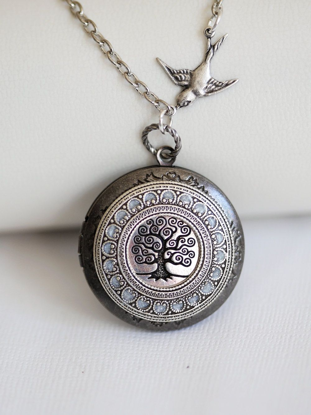 locket on plated chain family amazon gold ornami and co uk oval sterling dp silver lockets tree jewellery design