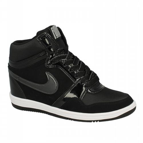 Miejski Klasyk W Promocji Nike Air Force 1 Kupisz Jeszcze Dzis I Jutro 30 Taniej Z Kodem Off30 Nike Nikeairforce A Nike Air Force White Sneaker Nike Air