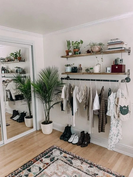 How To Organise Clothes In Your Wardrobe