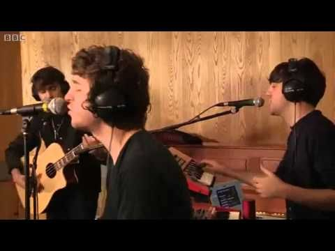 ▶ The Kooks - Pumped Up Kicks (Foster The People's cover) - YouTube