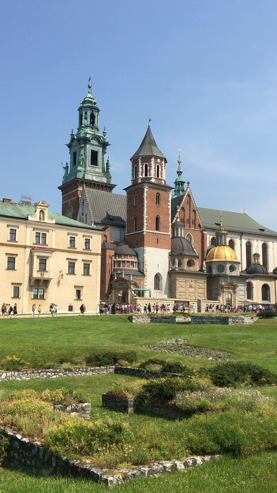 Wawel Royal Castle in Krakow, Poland - visit our guide for Krakow travel tips!