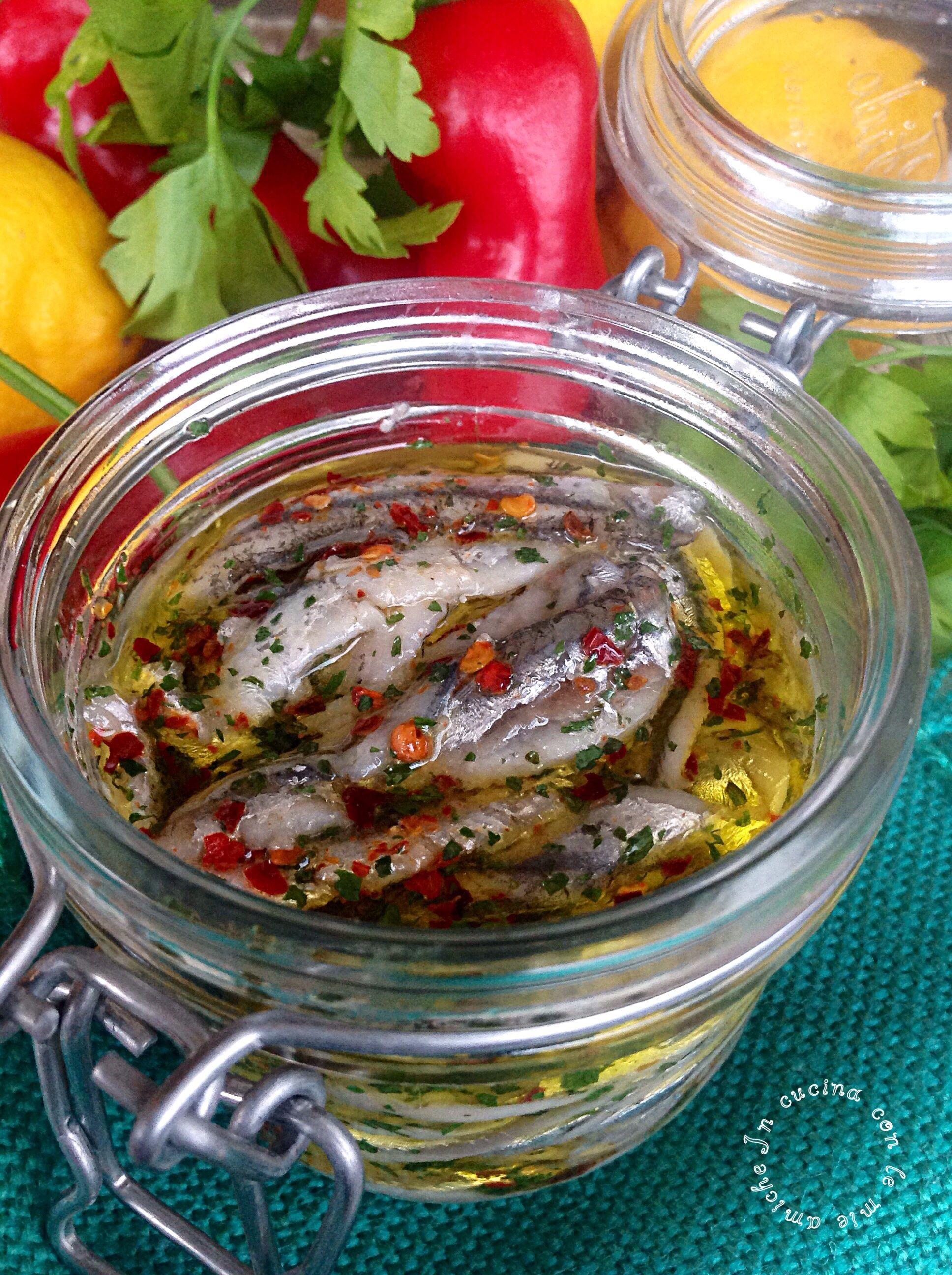 Alici marinate pesci ricette pesce cucinare il pesce for Cucinare e congelare