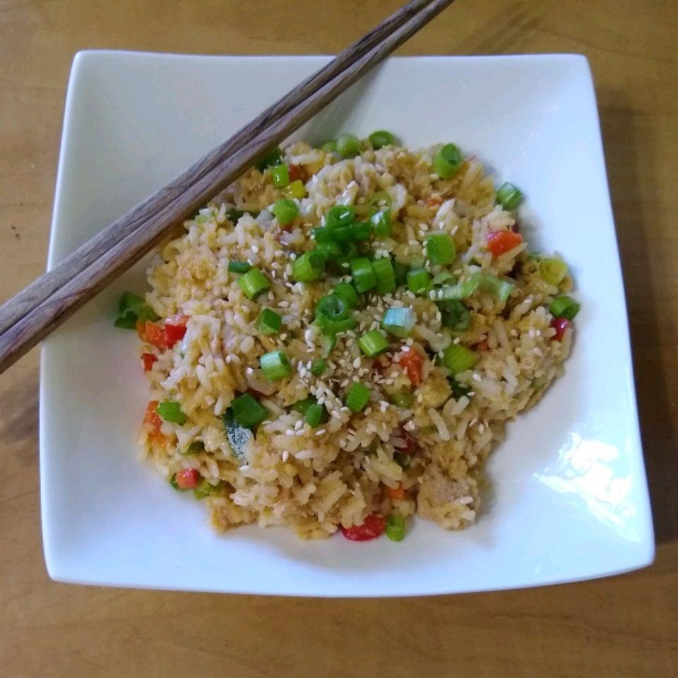 Spicy Tuna Rice Bowl Recipe In 2020 Rice Bowls Recipes Stuffed Peppers Seasoned Rice Vinegar
