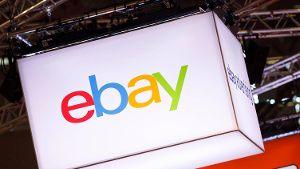 Das Logo Von Ebay Symbolbild Auf Ebay Kleinanzeigen Finden Sich Verschiedene Angebote Quelle Imago Images Future Image Ebay Gaming Logos Light Box