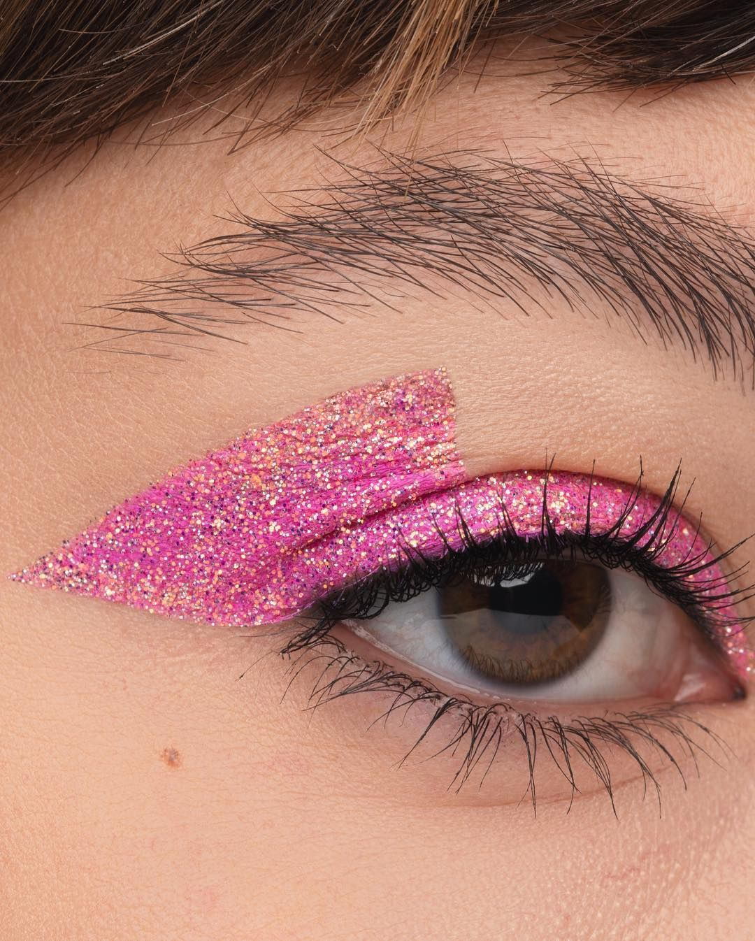 anastasiabeverlyhills pink sapphire loose glitter is what